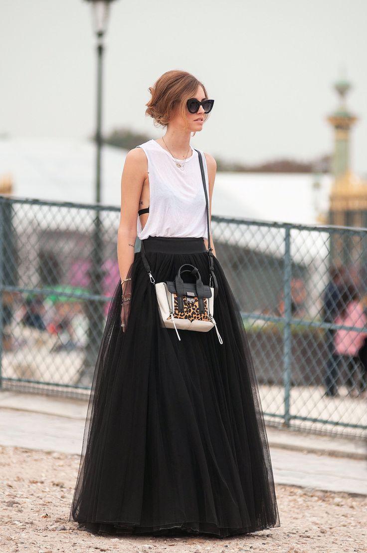 Alberta Ferretti skirt, 3.1 Phillip Lim bag, Thierry Lasry sunglasses (@chiaraferragni)   - MarieClaire.com