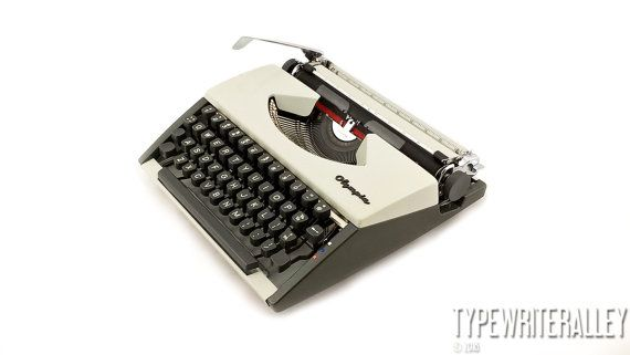 The typypewriter for OO OLYMPIA SF De Luxe by Typewriteralley