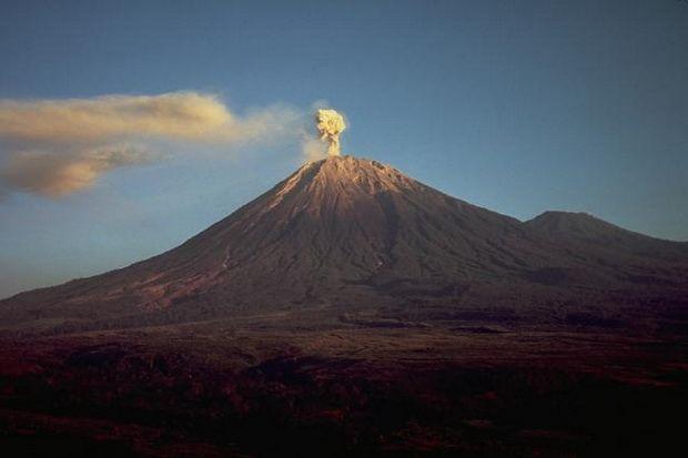 Kebakaran di Gunung Semeru Diduga karena Api Unggun