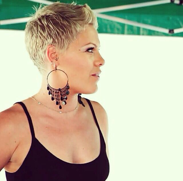 how to style my hair like pink 25 best ideas about singer pink hairstyles on 6005