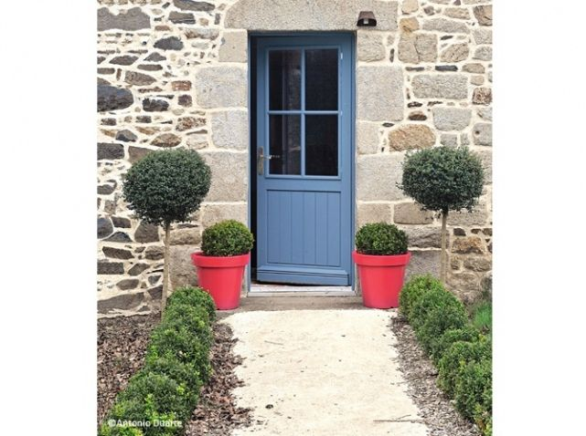 Entree maison allee buis pots more pretties - Decoration maison campagne ...