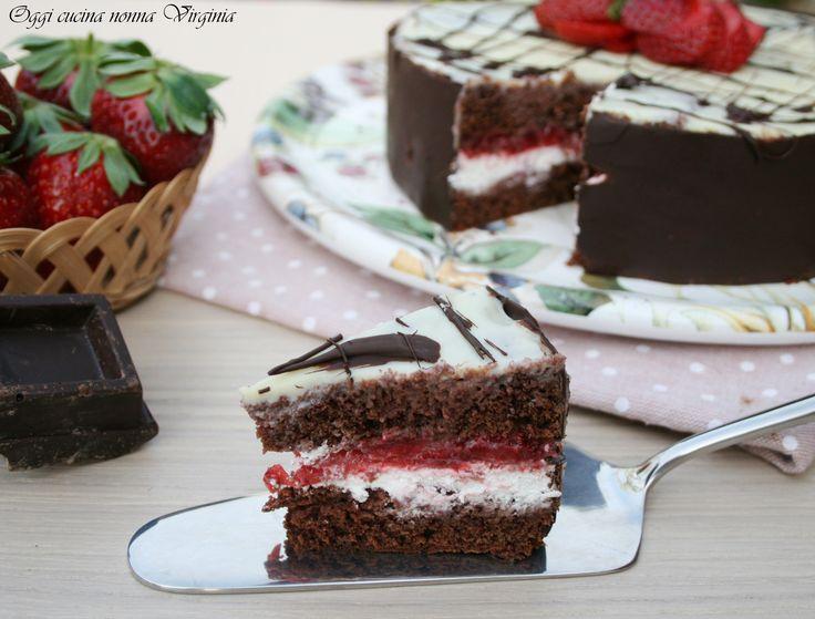 torta di fragole cioccolato e panna