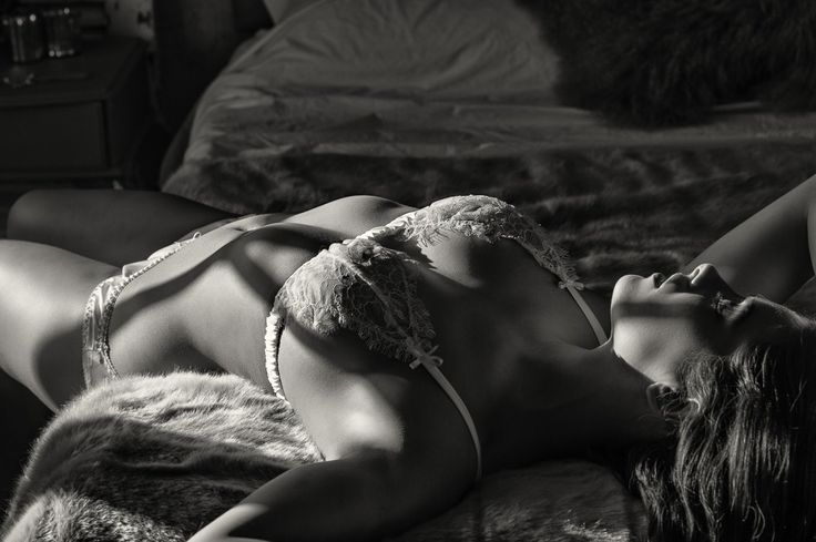 Boudoir Photography by Kate Hopewell-Smith