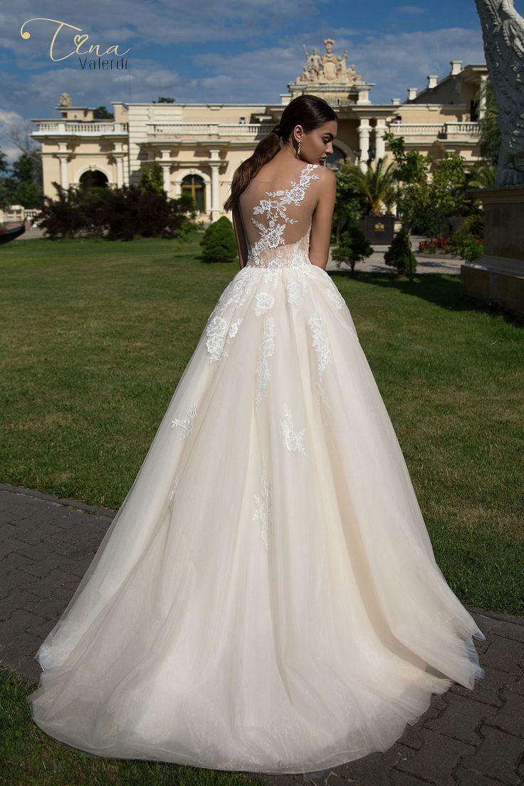 Wedding dress Constancia by Tina Valerdi