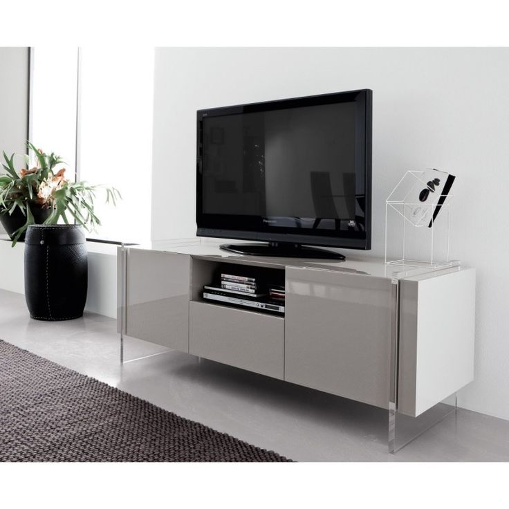 How to Buy an LCD TV Stand Online