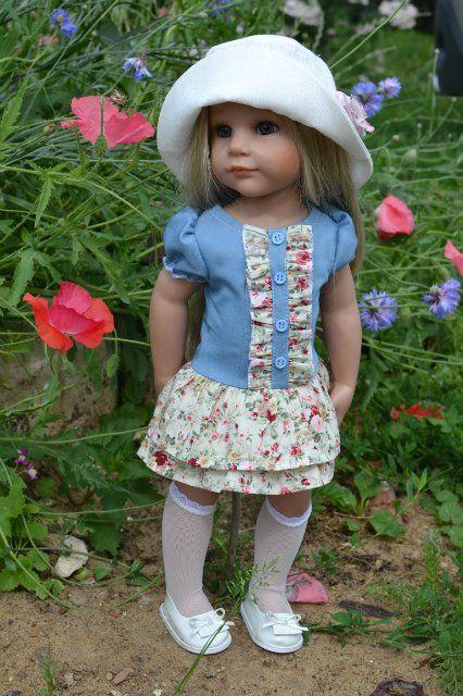 Меня зовут Елена, шью на кукол много и давно, начиная с нижнего белья и заканчивая верхней одеждой.
