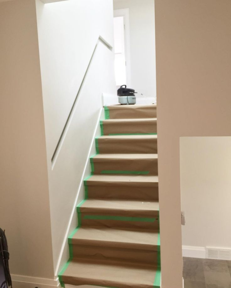 Best Remember That Really Narrow Staircase And Inset Handrail 400 x 300