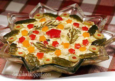 Clipe dulci si parfumate: Salata festiva de pui