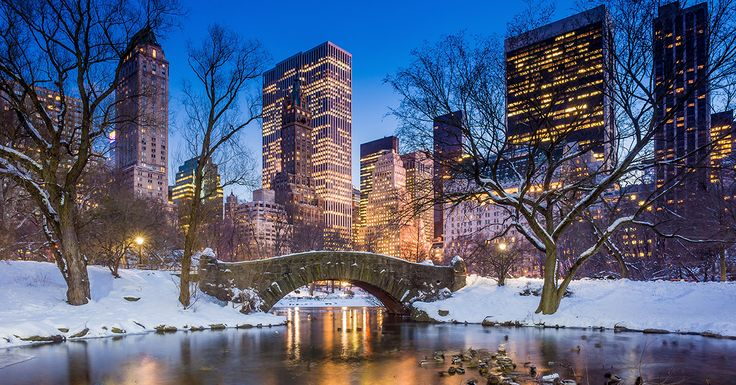Who wishes they were in New York enjoying the festive snowy sights? #MondayMotivation #ChristmasWeek