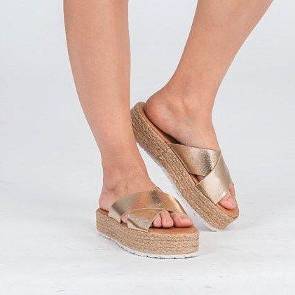 Ayaklarınıza iyi davranın!#demirelshoes #demirelshoes2016 #demirelkreta #demirel90yil #demirelterlik Kreta'ya sahip olmak için: www.demirelshoes.com