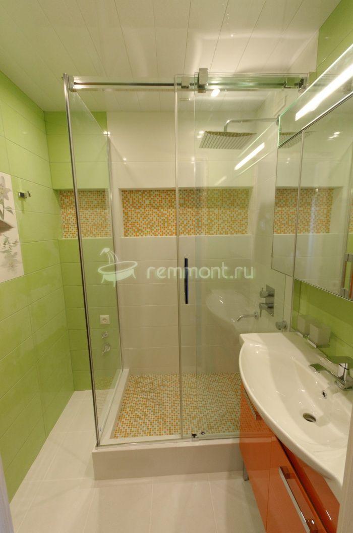 Ремонт раздельной ванной комнаты и туалета Imperia: Стеклянные шторки в ванную комнату