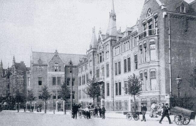 1870. Nieuwe Binnenweg. Antoniusgesticht. zoals het toen nog genoemd werd.