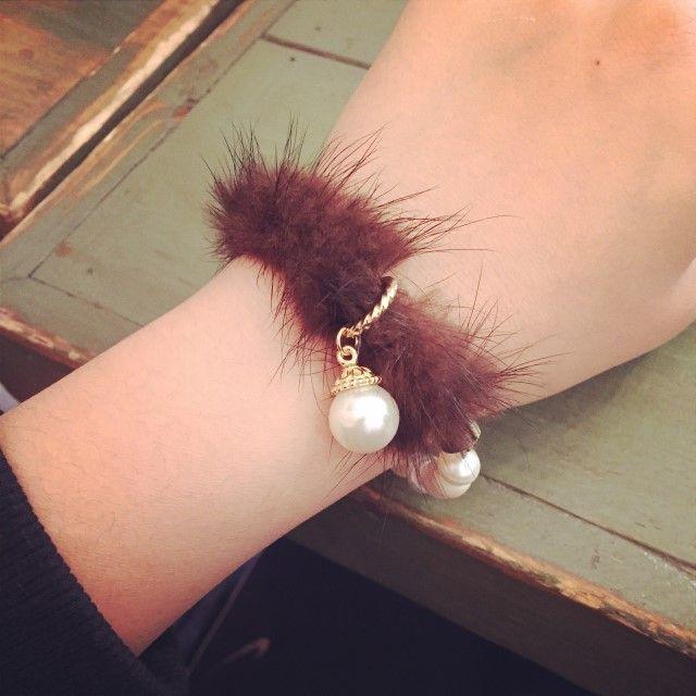 Mink Pearl Bracelet : object A