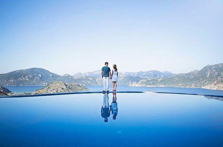 Okyanusla, gökyüzü gibiydik biz seninle. İkimizde maviydik, birlikte gibiydik. #marmaris #selimiye Loca hotel www.kucukoteller.com.tr/loca-otel?utm_content=buffer2b7d0&utm_medium=social&utm_source=pinterest.com&utm_campaign=buffer