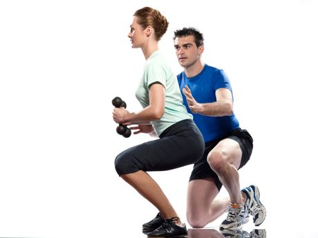 5 squat variations for runners - helps strengthen quads, glutes & core - guards against runner's knee and IT symdrome =)