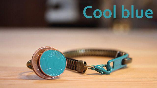 Cool blue   Zelf een ring en armband maken van een oude rits en een paar centen.