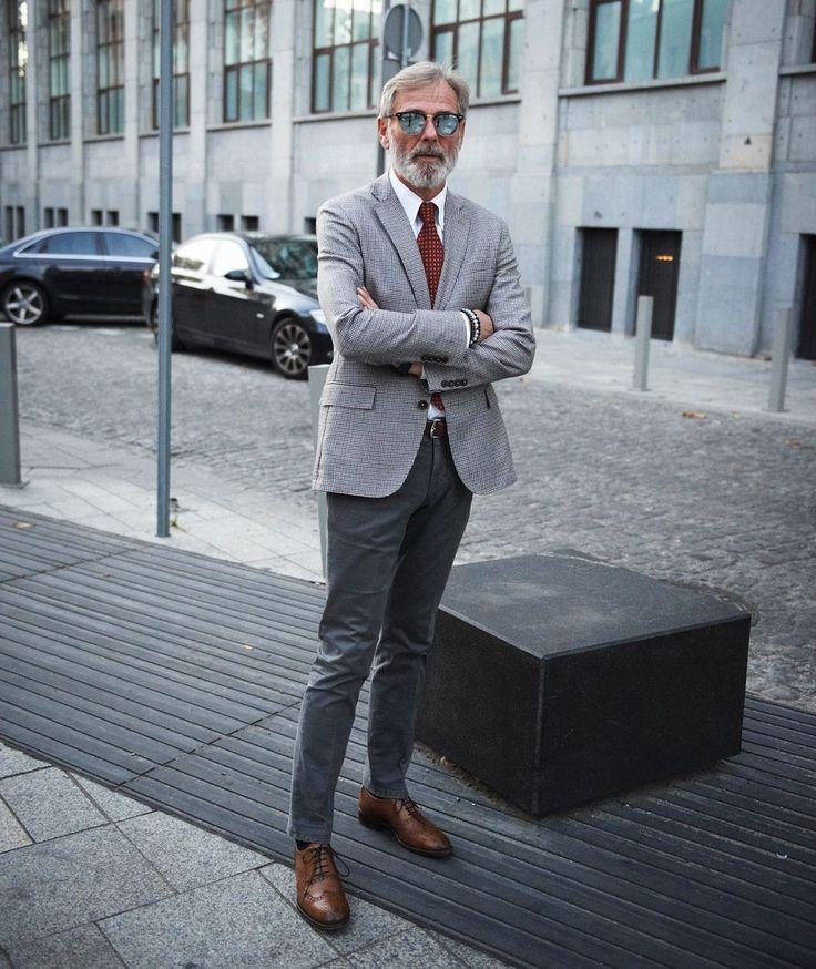 Irek Korzeniewski, czyli słynny Styleman, to człowiek rozlicznych pasji, z których najważniejsze to moda męska i motocykle. Zaś z połączenia tych dwóch pasji powstaje trzecia, czyli The Distinguished Gentleman's Ride - rajd dystyngowanych dżentelmenów - impreza z tradycjami i o zasięgu światowym, kt