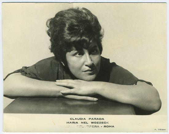 Claudia Parada, Soprano chilena.  Colección de Fotografías, Centro de Documentación de las Artes Escénicas del Teatro Municipal de Santiago.