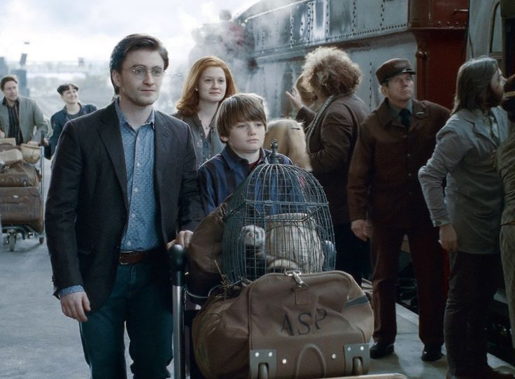 """Harry quickly became <a href=""""http://go.redirectingat.com?id=74679X1524629&sref=https%3A%2F%2Fwww.buzzfeed.com%2Fphilippjahner%2Fharry-potter-facts&url=http%3A%2F%2Fwww.beyondhogwarts.com%2Fharry-potter%2Farticles%2Fjk-rowling-goes-beyond-the-epilogue.html&xcust=4427365%7CAMP&xs=1"""" target=""""_blank"""">head of the Auror Department</a> and then later of the entire Department of Magical Law Enforcement. He also gave occasional lectures on Defense Against the Dark Arts at Hogwarts."""