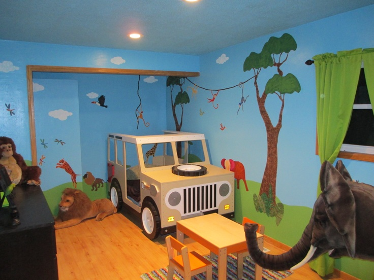 Love of Travel and Animals Inspires Jungle Safari Mural