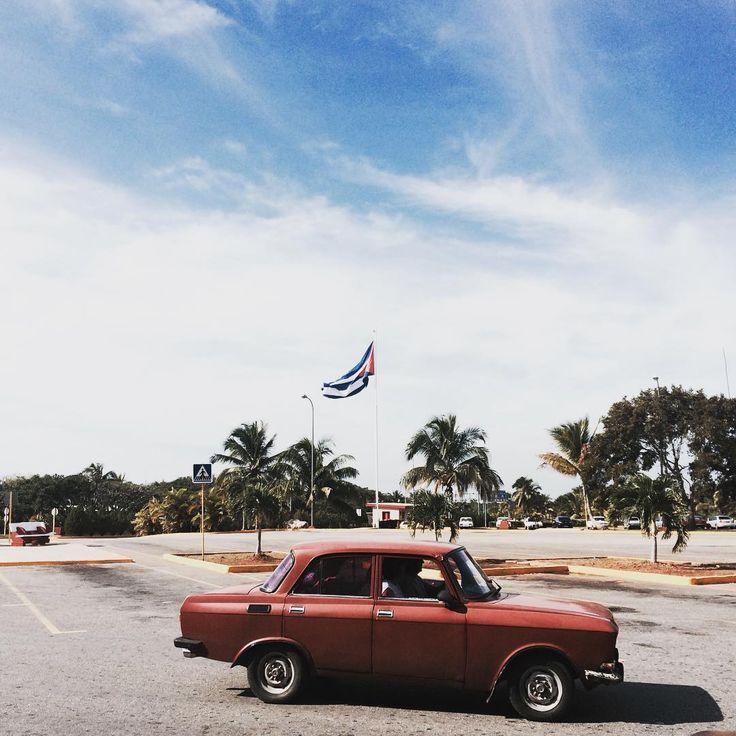 """La havanna / Cuba w. / #la #cuba #libre #havanna #cuba #cubalibre #mi #amigo #cubano #salsa #merengue #cubanflag #this #now #photo"""