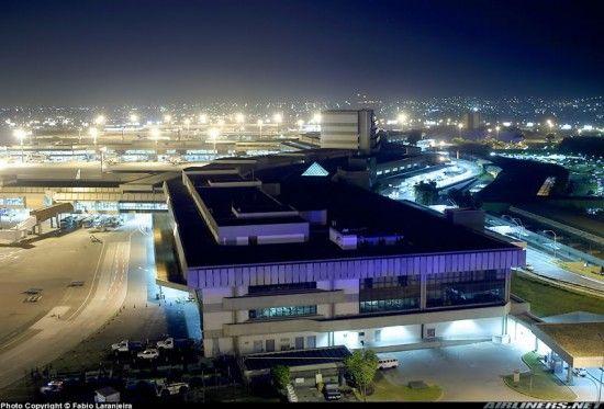 Aeroporto Internacional de São Paulo Guarulhos 4 550x373 Aeroporto Internacional de São Paulo Guarulhos   Cumbica