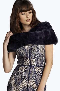Ruby Luxury Faux Fur Collar