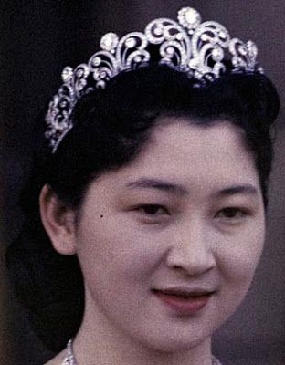 Tiara Mania: Diamond Scroll Tiara worn by Empress Michiko of Japan