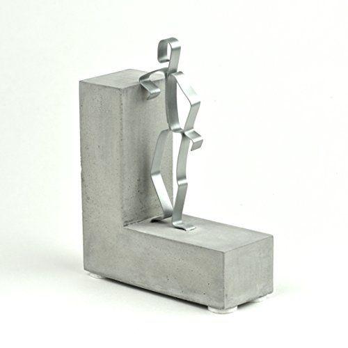 """Geschenkidee Skulptur """"STOLZ DRAUF!"""" Beton, Geschenk zur bestandenen Prüfung, Examen. hersteller: Manufaktur invocem."""