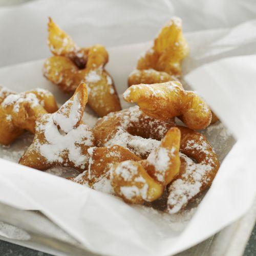 Découvrez la recette du chef Christian Tetedoie du restaurant Christian Tetedoie : Bugnes lyonnaises