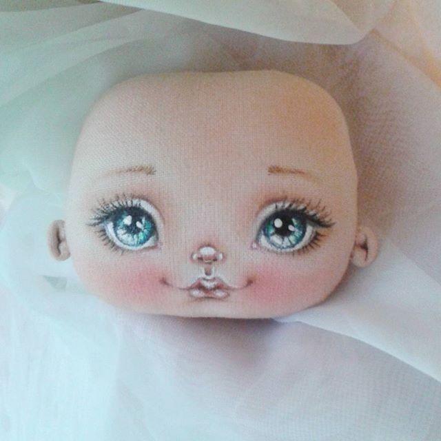 Процесс рождения♡♡♡ Еще будут небольшие доработки..... #рождение #голубоглазка #текстильнаякукла #длядуши #авторскаяработа #интерьернаякукла #сделанослюбовью #подарокдлядуши