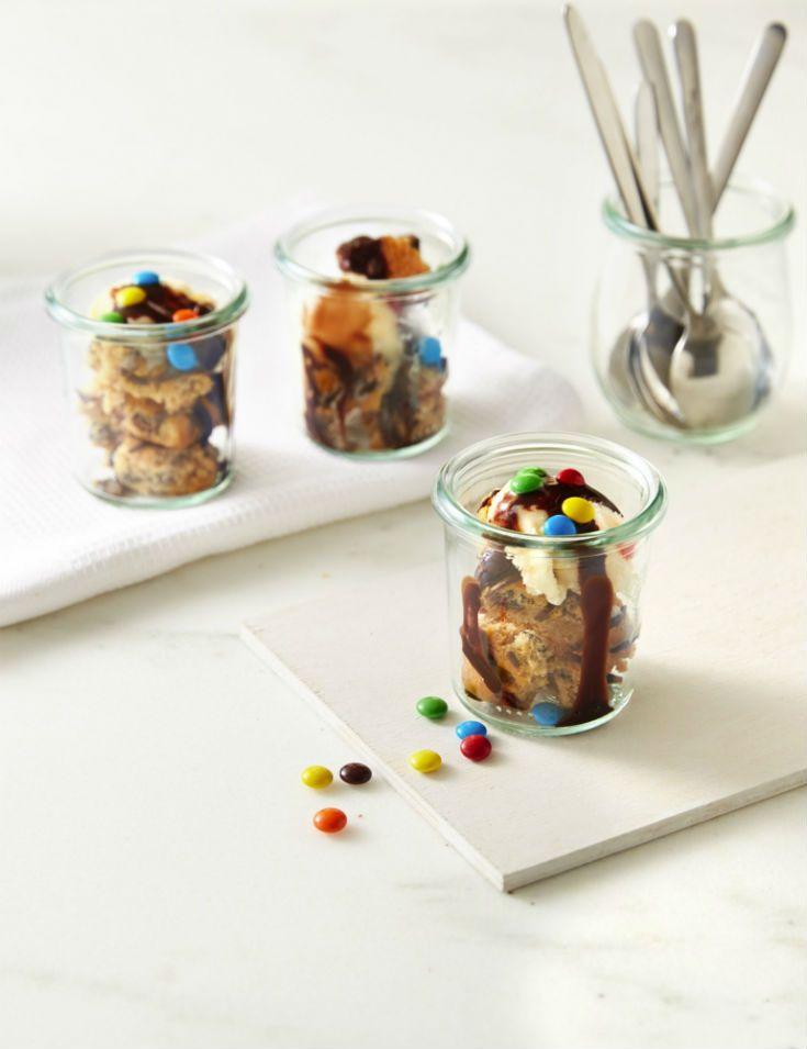 Frozen Yogurt Cookie Sundae #BringBackDessert #Dessertify #FiberOne