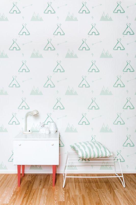 Behang Tipi pastelgreen Roomblush Behang tipi pastel groen van Roomblush . Ontdek hier de SWEET! wallpaper collectie van Roomblush. Een speelse collectie, een eyecatcher op je muur. Voor in de kinder, speel, slaap, werk-kamer of gewoon waar jij dat wil! Dit vliesbehang bestaat uit 4 banen van 50 cm breed x 285 cm hoog. Stalen aanvragen kan, max. 4 stuks, via info@roozje.nl  Levertijd: 5-12 werkdagen Behang kinderkamer babykamer teepee beregen mint groen mintgroen