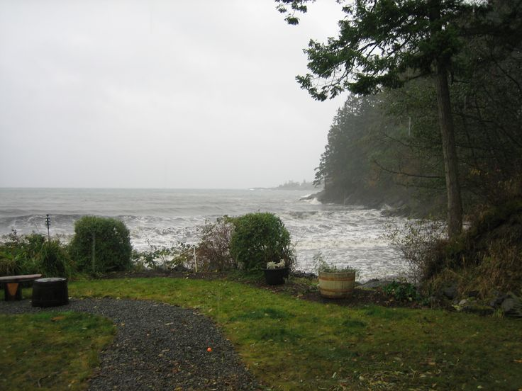 Come and watch the storms, that roll in during the winter, from the comfort of your room when staying at the Lodge at Weir's Beach