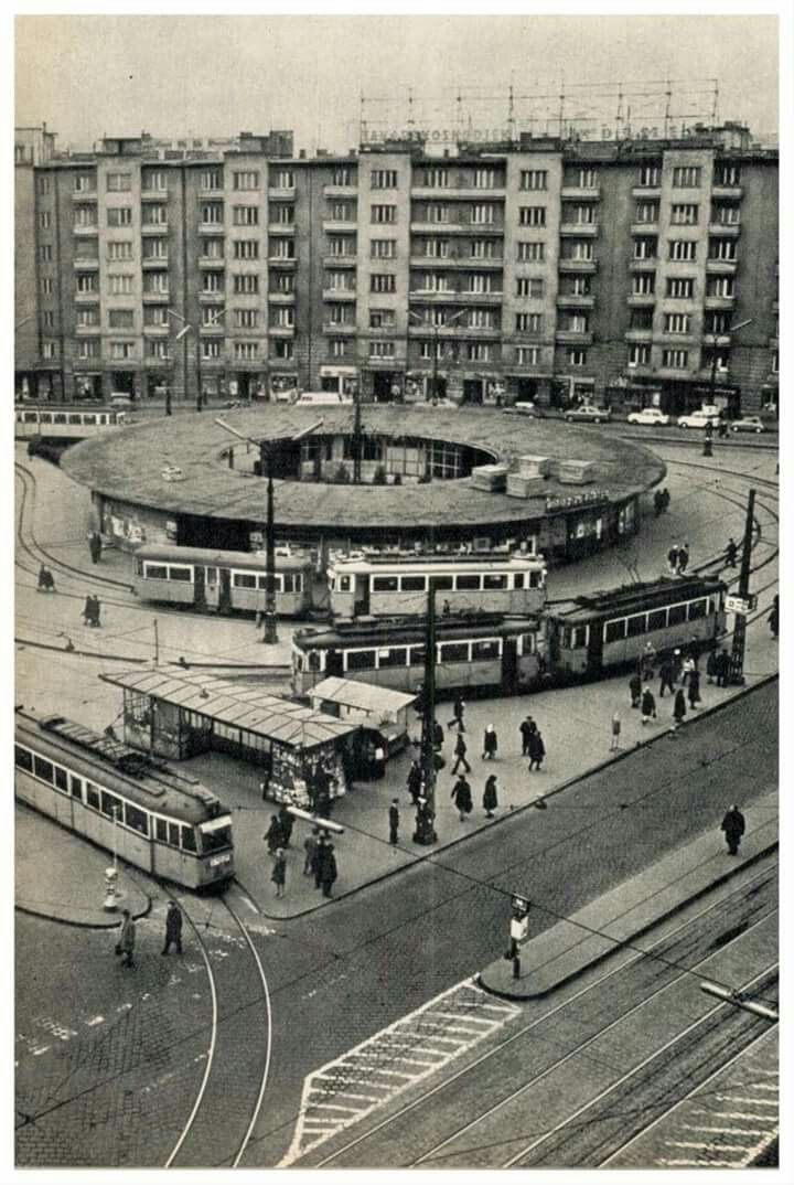 1972. Móricz Zsigmond körtér.