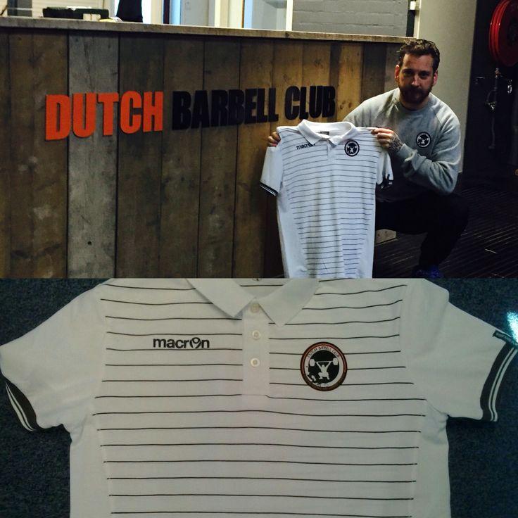 LET OP: bij 500 Likes, voor 2016, op onze FB pagina, verloten wij een polo-shirt van Dutch Barbell Club! #dutchbarbellclub #macron