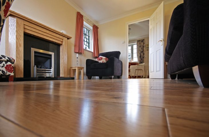 Get Classy Look in Lower Cost with Laminate Flooring
