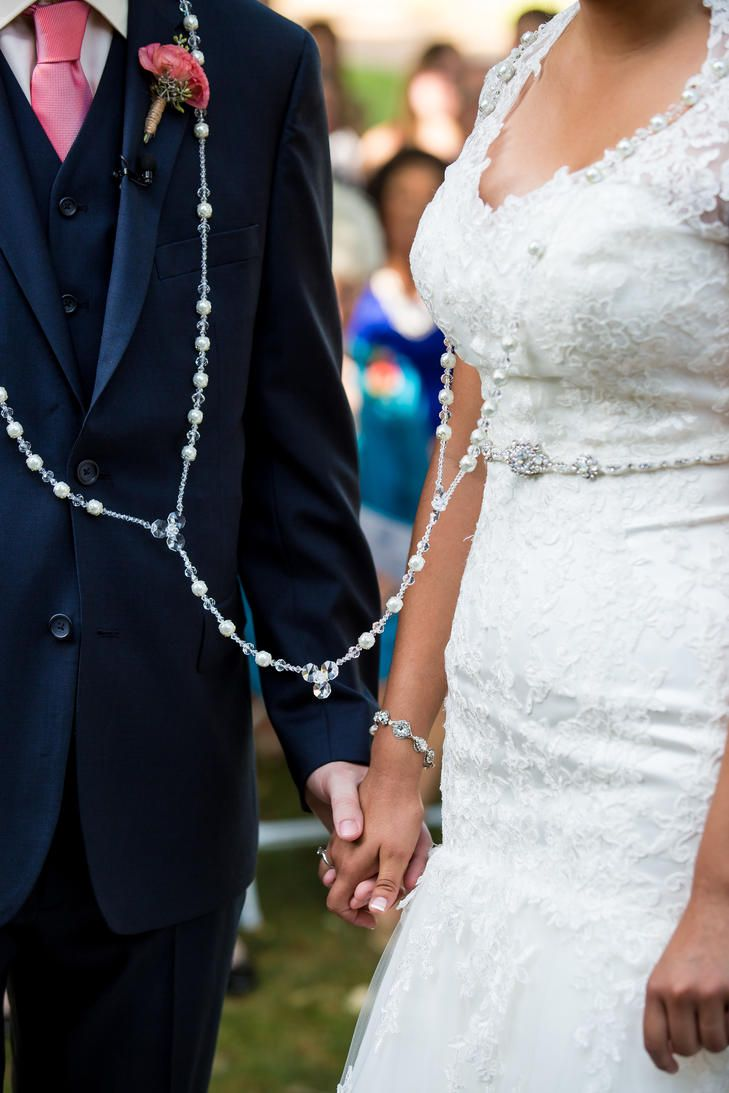 Traditional Ceremony Wedding Lasso Rosary | JENNIFER WEEMS PHOTOGRAPHY |  IN HER SHOES COORDINATION | http://knot.ly/6490BL98I | http://knot.ly/6491BL98L