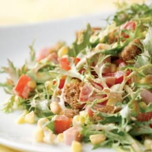 Smoky Ham & Corn Salad Recipe. Swapped the sour cream for 0% fat Greek Yogurt in Weight Watcher's recipe builder. Each serving is 4 points!