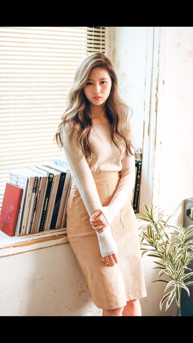 "Twice Pics en Twitter: ""Sana photoshoot ""PHOLAR"" By Jin Suk Young ✨. #1 https://t.co/vF6VQtwrWm"""