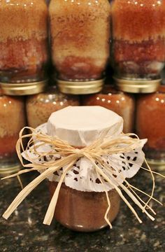 """A """"REAL"""" Housewife and Mommy: Cake in a Jar"""