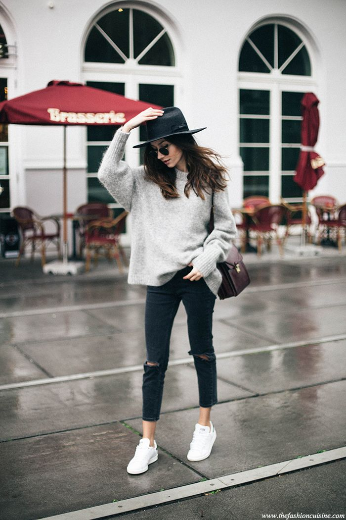 How to wear oversized sweater with Stan Smith sneakers ideas