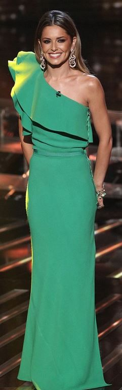 Who made  Cheryl Cole's green one shoulder gown