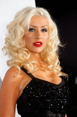 Christina Aguilera Blonde Curly Locks, Smokey Eye & Red Lips