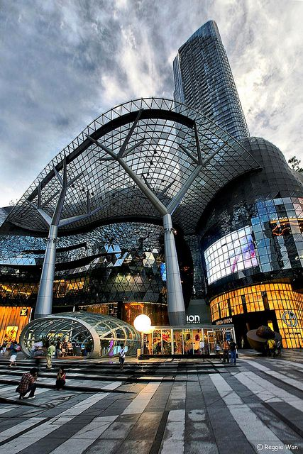 ION Orchard & The Orchard Residences : the coolest shopping amenity in Singapore  #Singapore #Travel  #living