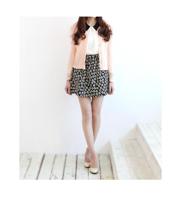 Back flower skirt  from Japan