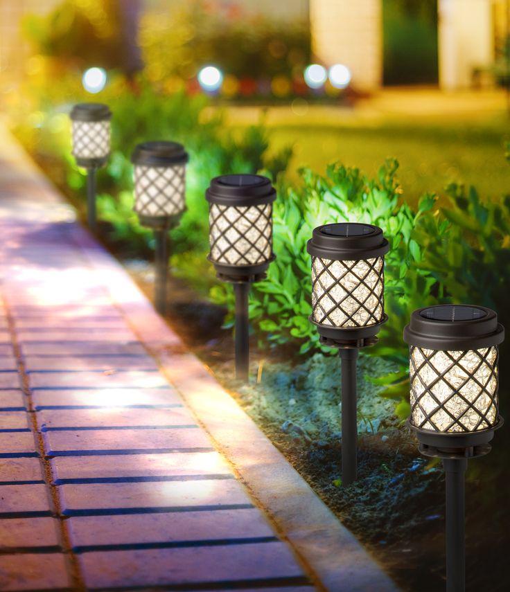 Pin de the home depot m xico en dise a tu jard n for Iluminacion exterior jardin diseno