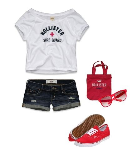 A cute Hollister outfit to wear to the beach
