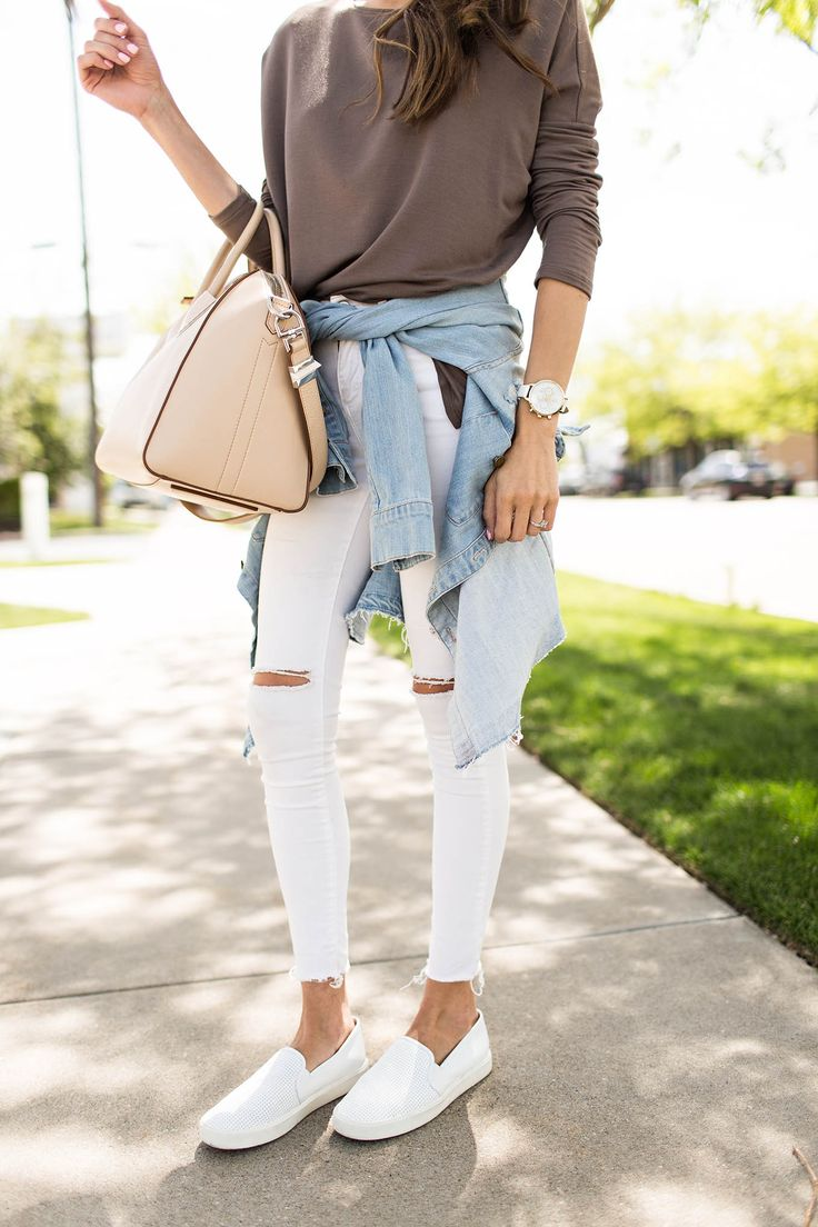 DETAILS: TAUPE TOP (UNDER $50- WHITE VERSION HERE) | WHITE DENIM (UNDER A $100) | CURRENT ELLIOT JACKET (OLD SIMILAR HERE) | SLIP-ONS (SO COMFORTABLE!) | SUNGLASSES | WATCH | BAG TGIF!! Did you guy…
