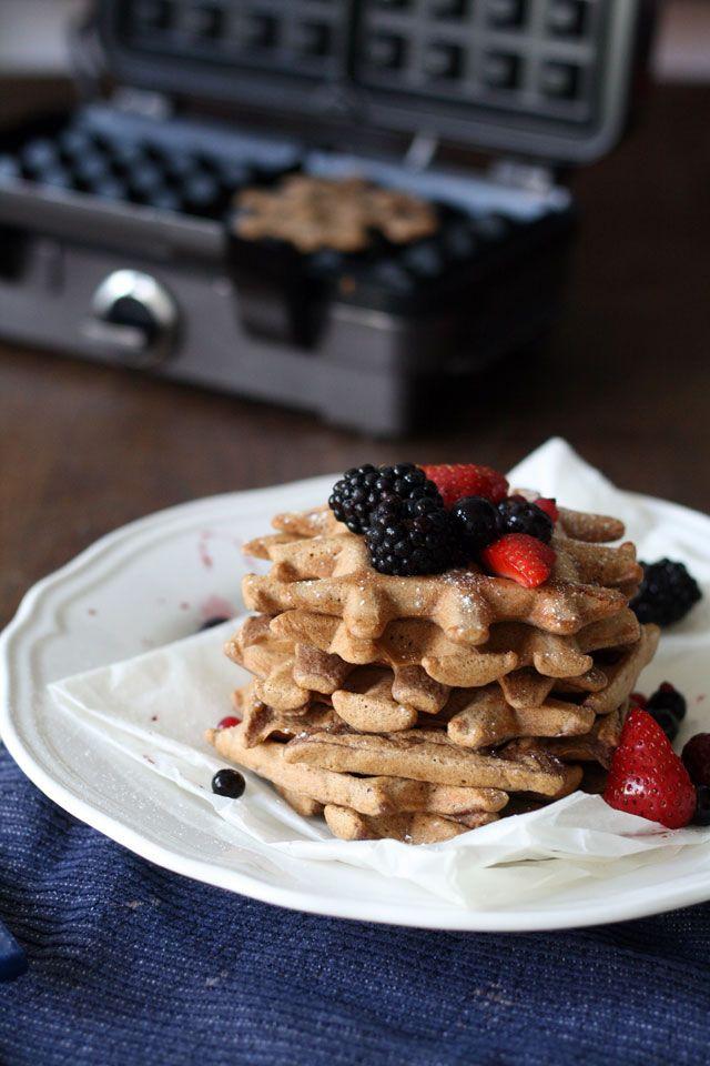 Fluffy spelt waffles with summer berries | Yellow lemon tree